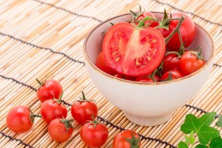 トマトはコレステロールを下げる効果があるのは本当?